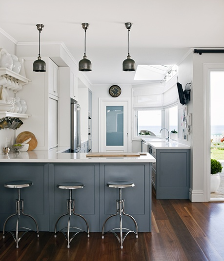 Coastal style kitchen by Coco Republic