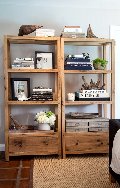 Perfectly styled (& masculine!) shelves