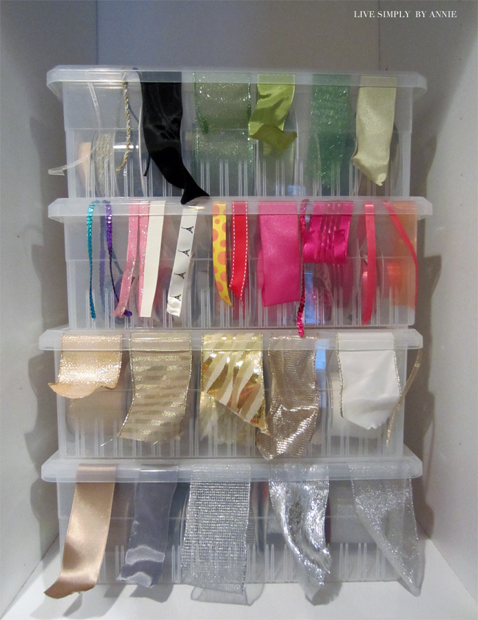 Easy tricks to organize all your crafting and gift wrapping supplies! (take note of the gift bag solution especially).