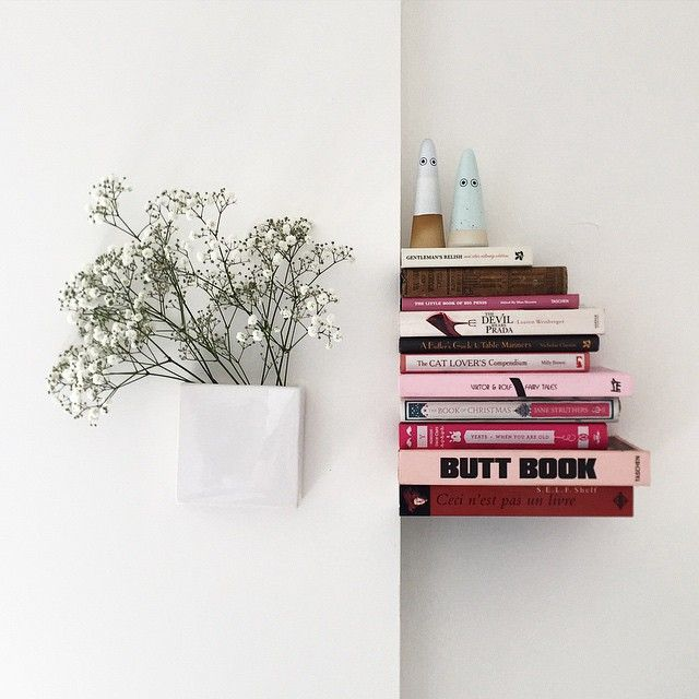 Ingenious for small spaces: invisible bookshelves! The possibility for book storage and style abounds...