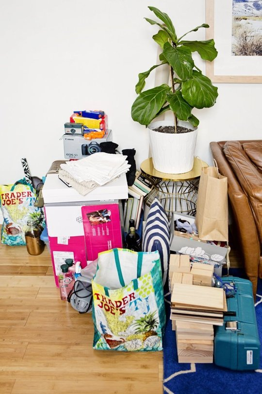 these simple tips are a roadmap out of getting stuck making decisions when decluttering!