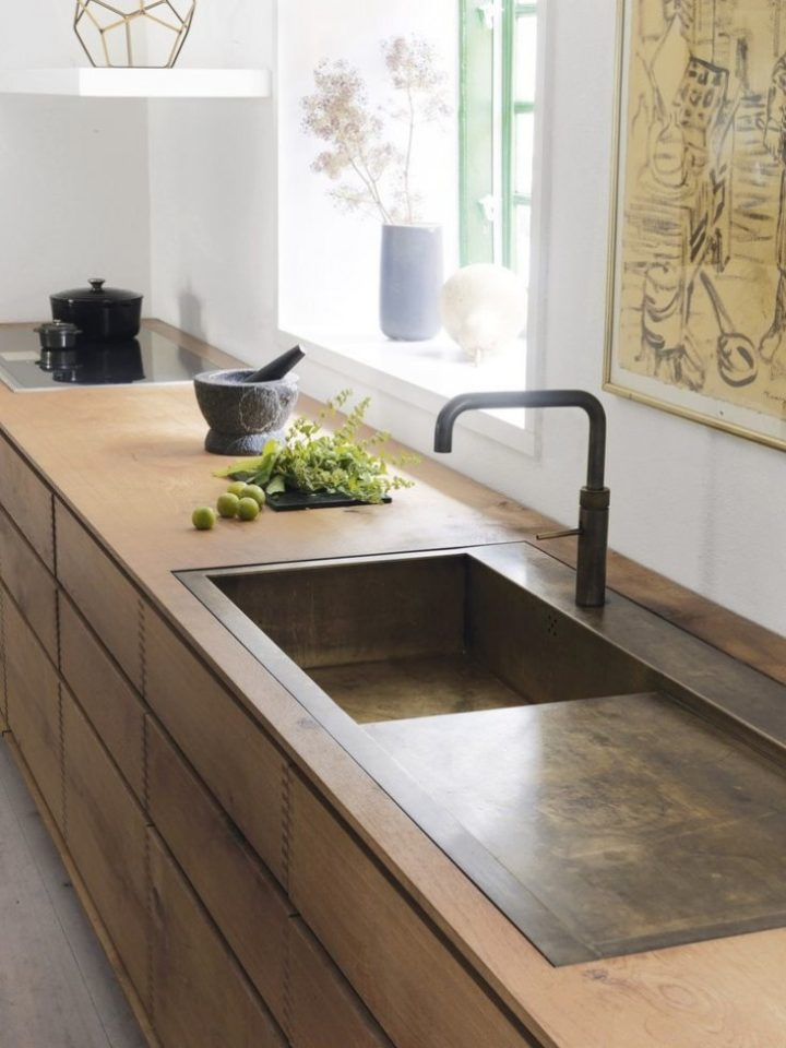 Can't get enough of this unbelievably clever (not to mention space-saving) kitchen design trick!