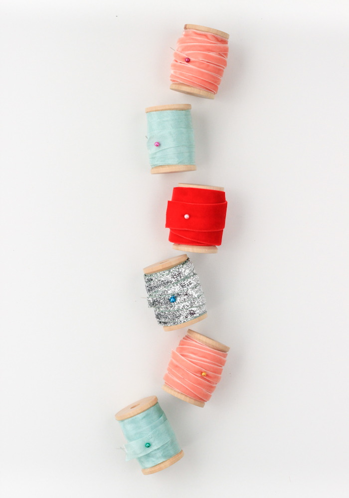 Clever ways to organize ribbon scraps.