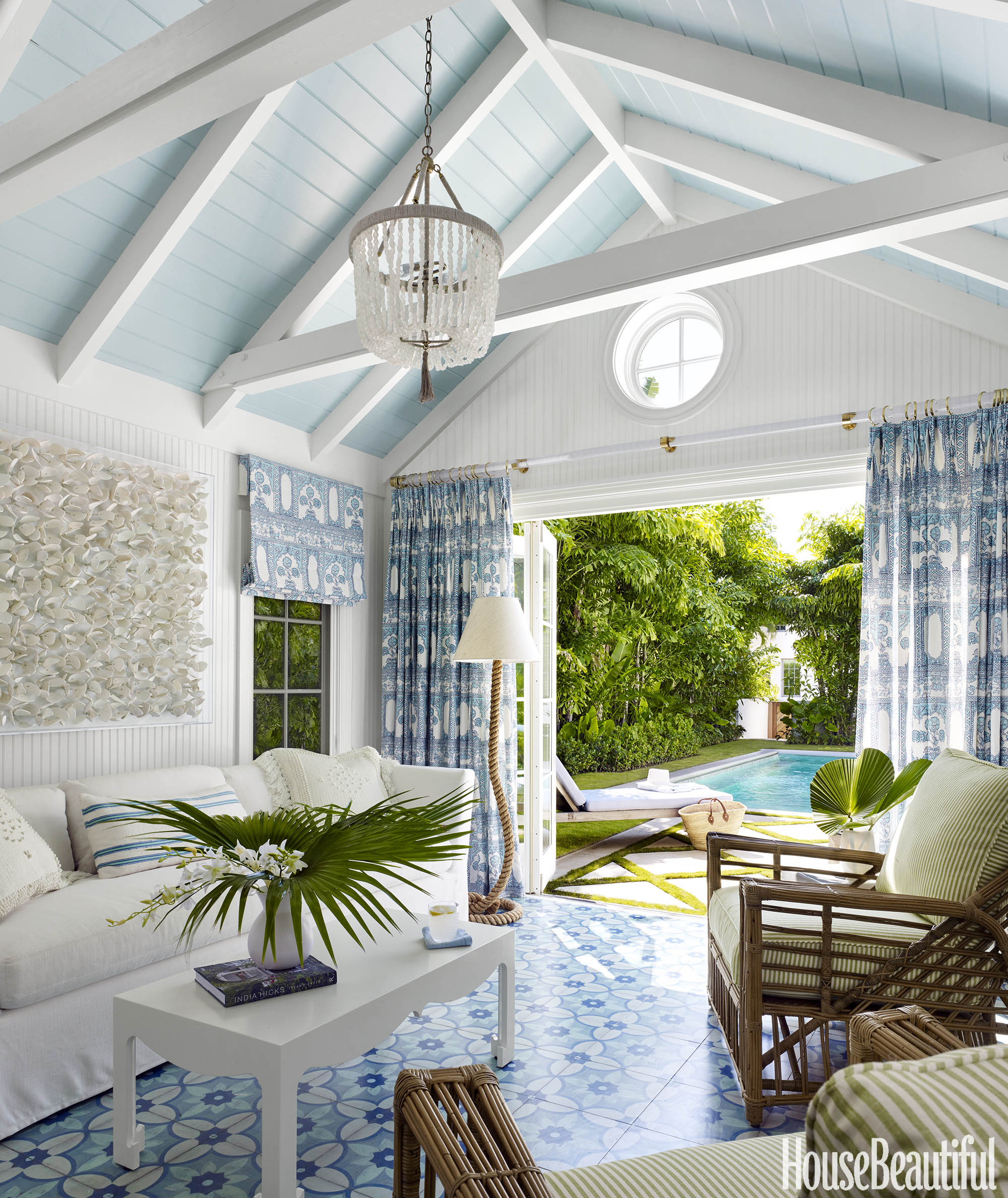 Spotlight On A Laid-Back Lush Palm Beach House By Lindsey Lane Design